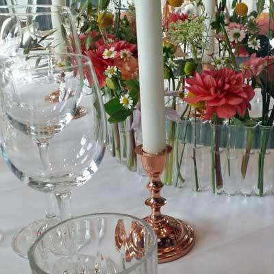 Blomsterkrans-til-bryllupsbordet Inspiration